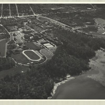 [McMaster University campus, 1975] : [photo 45277S-19]